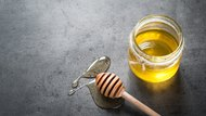 How to Use Honey to Heal Wounds