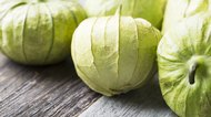 How to Clean a Tomatillo