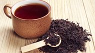 How to Dye Hair With Black Tea