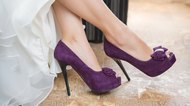 How to Wear Purple Shoes