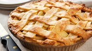 Differences Between Dutch Apple Pie & French Apple Pie