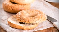 How to Eat Bagels With Acid Reflux