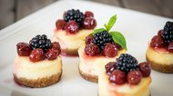 How to Cook Mini Cheesecakes in Ramekins