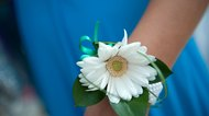 How to Put on a Wrist Corsage for a Girl