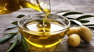How to Treat Dark Circles With Olive Oil