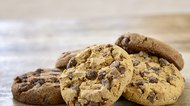 How to Moisten Dry Cookies Once They Are Baked