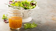 How to Make No-Calorie Salad Dressing