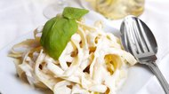 How to make killer Alfredo Sauce  (easy recipe !)