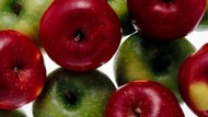 What Apples Are Best to Use for Jewish Apple Cake?