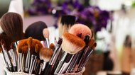 Makeup Brushes, workplace makeup artist