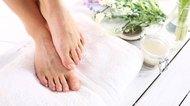 How to Make Foot Scrubs -- Three Recipes