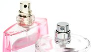 How to Remove the Smell of Perfume From a Glass Bottle