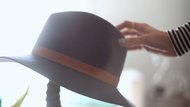 4 Ways To Style Your Hair With A Hat
