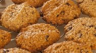 How to Make Healthy Fat-Free No-Sugar-Added Oatmeal Cookies