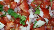 How to Can Salsa With a Pressure Cooker