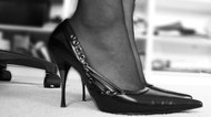 How to Stop Leather Shoes From Staining Feet