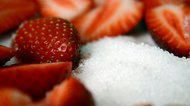 How to Replace Granulated Sugar With Powdered Sugar