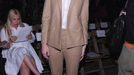 What Color Shoes Go Good With a Taupe Colored Pants Suit?
