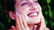 How to Apply a Foaming Cleanser to the Face