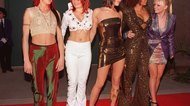 How to Dress Like the Spice Girls for Halloween