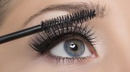 How to Get All the Mascara Off Your Eyelashes