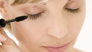 How to Get Mascara Not to Smudge