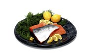 How to Cook Salmon With Skin on the Stove