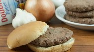 How to Freeze Hamburger Patties With Seasoning