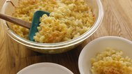 How to Bake a Large Quantity of Macaroni and Cheese for a Group/Crowd of 50