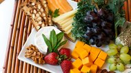 How to Arrange a Fruit & Cheese Platter