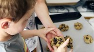 How to Bake Cookies Using Glass Pans