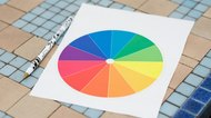 How to Combine Clothing Colors Using a Color Wheel