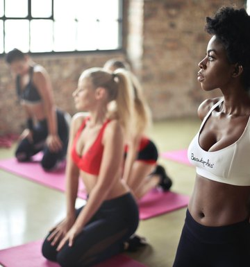 How To Keep Safe In A Group Fitness Class, According To A Trainer
