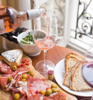 The Best Wine & Food Pairings, According To A Sommelier