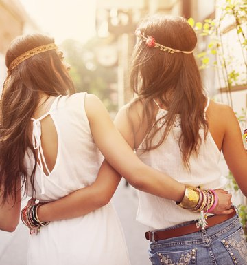 How to Dress Like a Hippie With Clothes in Your Closet