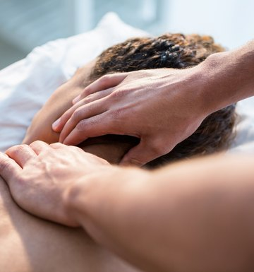 Pros and Cons of Chiropractic Medicine