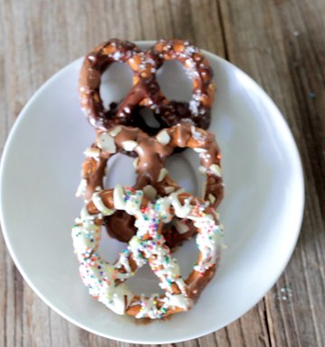 Chocolate Covered Pretzels, 3 Ways