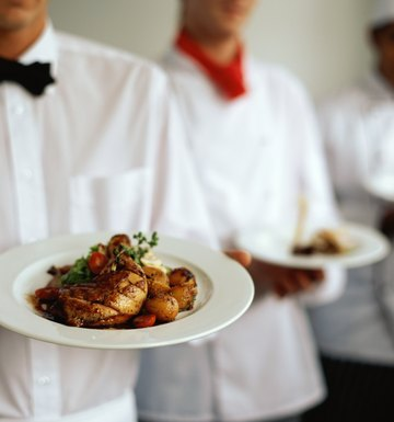 What Are the Courses in an Eight-Course Dinner?