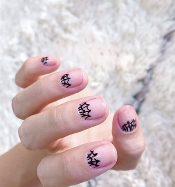 DIY Spider Web Nail Art That ANYONE Can Do