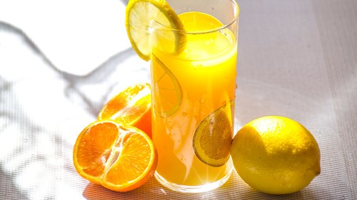 The Pros and Cons Of Starting Your Day With Juice