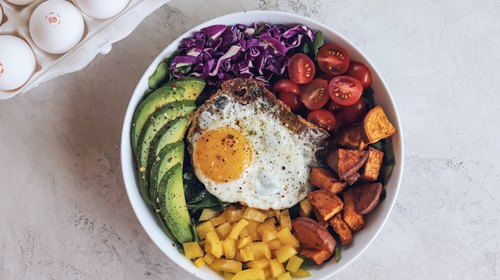 Rainbow Breakfast Bowl feat. Courtnie Hamel