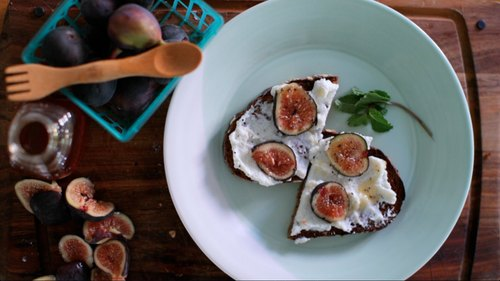 Tartines: Fig & Ricotta