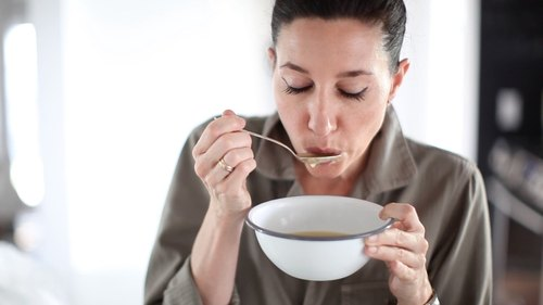 6 Natural Ways To Cure A Sore Throat