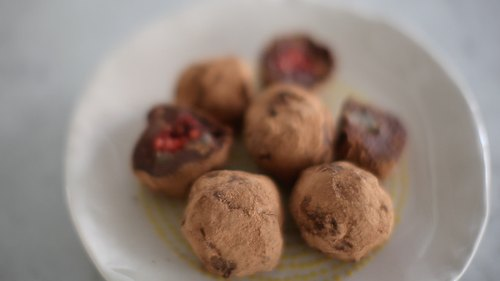 Raw Chocolate Truffles: 2 Ways