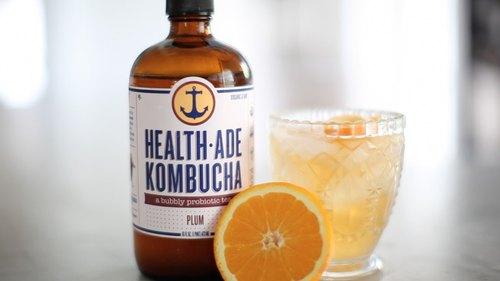 Healthier Kombucha Cocktail: Plum Gin Fizz