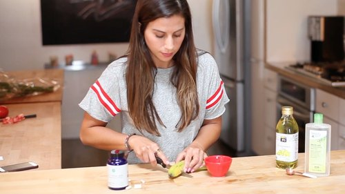 DIY Probiotic Face Mask to Boost Your Skin's Acne-Fighting Power