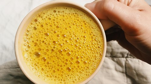 The Easy Turmeric Tonic That Will Heal Your Muscles