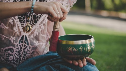 What Is A Sound Bath & Can It Help You Start Meditating?