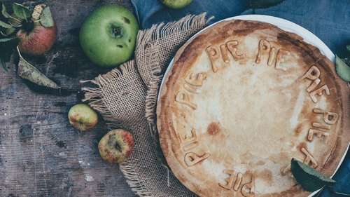 How to Bake a Vegan Apple Pie From Scratch