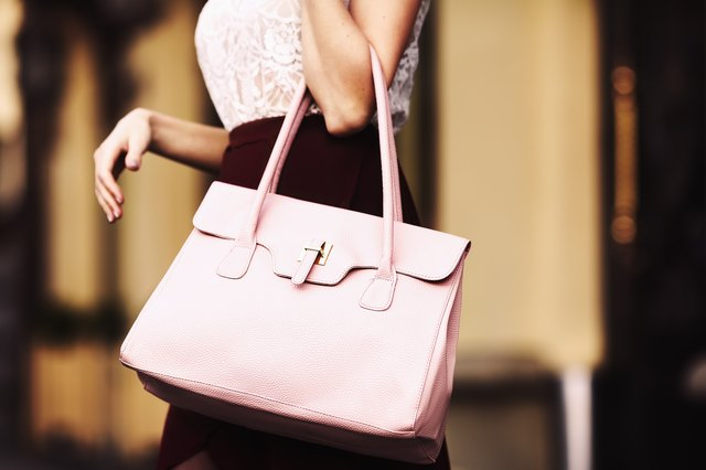 Five Ways To Spot A Fake Guess Handbag